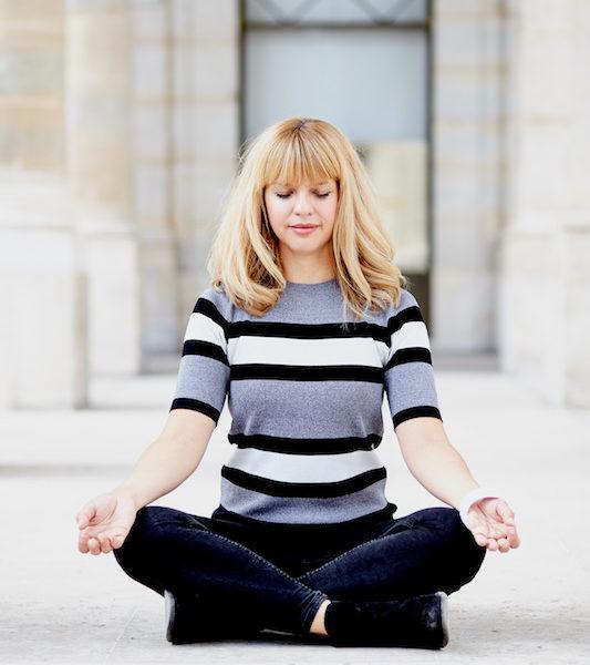 maja-meditating